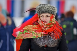 russia-winter-outdoor-woman-scarf-national