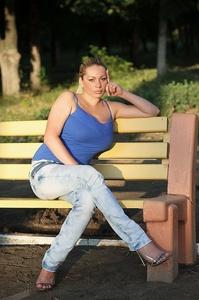 Anna,32-5